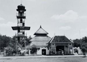 COLLECTIE_TROPENMUSEUM_De_moskee_van_Demak_TMnr_60054754